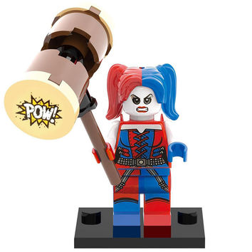 Block Minifigure Suicide Squad Harley Quinn with Hammer
