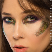 Face Glitter in Eden