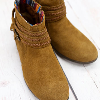 Dixon Boot By Minnetonka