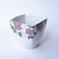Cup with Romantic Roses