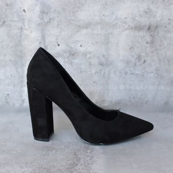 vegan suede chunky heeled pointed toe pump - black