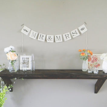 The New Mr and Mrs Wedding Banner, wedding decor, bridal shower, bunting, garland, pennant