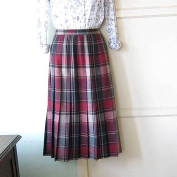 Red with Forest Green Plaid Pleated Fall/Winter Skirt; Women's Medium Middy Length Plaid Skirt by Koret; Wool Blend