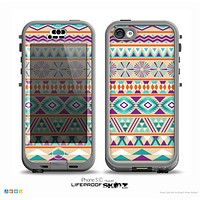 The Tan & Teal Aztec Pattern V4 Skin for the iPhone 5c nüüd LifeProof Case