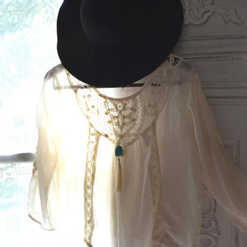 Sale Bohemian gypsy Stevie nicks style poets top, Hippie Music festival clothing, creme Battenburg lace, Boho clothes, True rebel clothing
