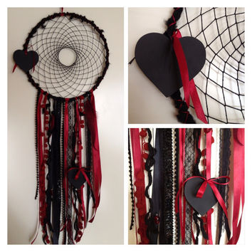 Dreamcatcher - Black and Red