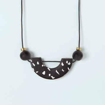 Necklace by Depeapa Materia#03 -Black marble