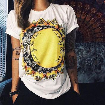 DCCK7XP White Sunflower and Letter Print T-Shirt