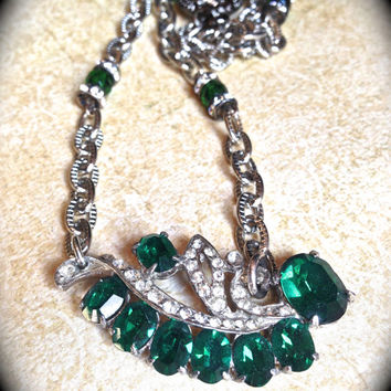 Green rhinestone necklace- Handmade Jewelry-Vintage Rhinestone Necklace- Emerald Green Necklace- Green Rhinestone- Art Deco Necklace
