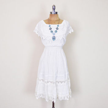 Vintage 70s Off White Mexican Dress Crochet Dress Lace Dress Embroider Dress Gauze Dress Wedding Dress 70s Dress Hippie Dress Boho Dress XS