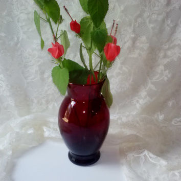 Vintate Ruby Red Glass Vase Anchor Hocking Depression Era True Red Glass Home Garden Decor Mint Cond Christmas Flower Vase Estate Piece