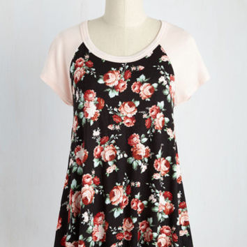 Petals at Play Top in Black | Mod Retro Vintage Short Sleeve Shirts | ModCloth.com