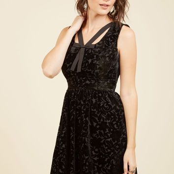 Mystery Dinner Theater Velvet Dress in Noir | Mod Retro Vintage Dresses | ModCloth.com