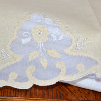 Linen Tea Towel / Embroidered Applique on Organdy / Yellow / Bath Decor