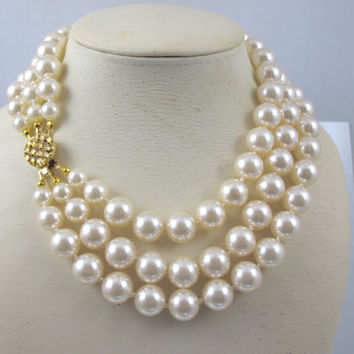 c5c34c076bb33 Shop Triple Strand Pearl Necklace on Wanelo