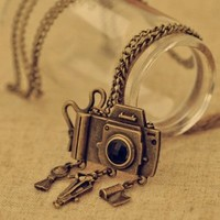 Fashion jewelry retro sweater chain element camera necklace