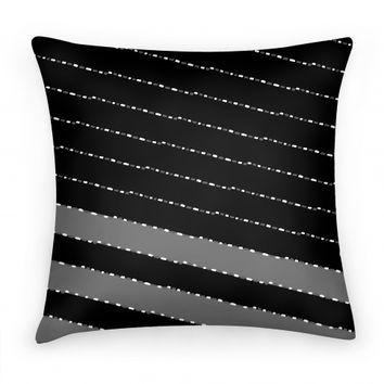 Black and White Diagonal Dashed Stripes Pattern