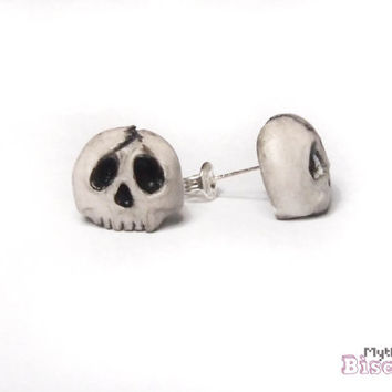 Skull Stud Earrings - 925 Sterling Silver - Gift Box