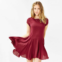 Red Short-Sleeve Asymmetrical Chiffon Dress