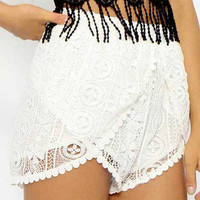Lace Overlapping Shorts