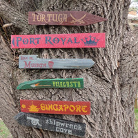 Pirates of the Caribbean Wooden Directional Sign 6 Pack
