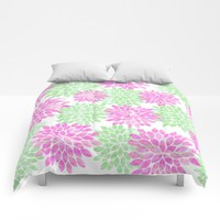 pink and green flowers Comforters by Sylvia Cook Photography