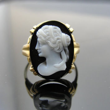 Mid-Century Black Onyx Cameo Ring in 10k Yellow Gold, Lady in Profile, RGCAM103D