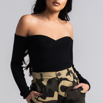 AKIRA Cute Off the Shoulder Longsleeve Crop Top in Black, Mocha, White
