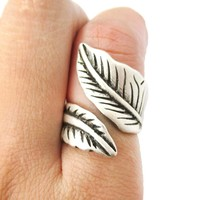 Classic Leaves Wrapped Around Your Finger Shaped Floral Ring in Silver | Size 6