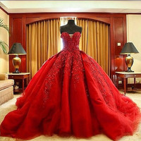 Graceful Ball Gown Sweetheart Chapel Train Prom Dresses For Women Special Occasion Gown Satin Customize Appliques Plus Size