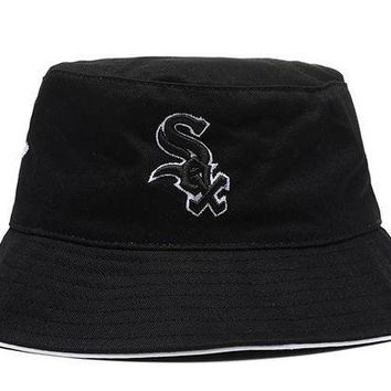 CREY8KY Chicago White Sox Full Leather Bucket Hats
