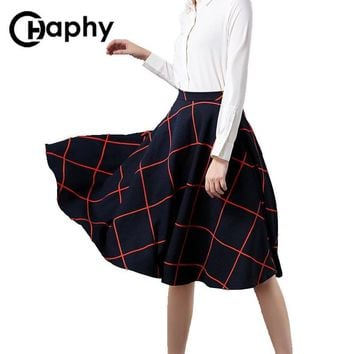 Elegant Plaid Skirt Women Autumn England Style Plaid Skirt Big Swing Retro Fashion All-Match Umbrella Plaid Pleated Midi Skirt