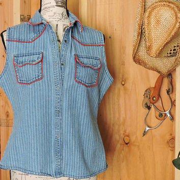 Wrangler denim shirt / size M / Snap front western sleeveless faded denim shirt / country western denim shirt / vest / rodeo cowgirl shirt