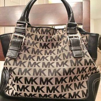 DCCKJY6X MK Michael Kors Brookvile Signature Bag