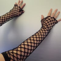 Gothic Fingerless gloves,  Gothic texting gloves, Victorian fingerless arm warmers gauntlets, Gothic black cutout lace texting gloves