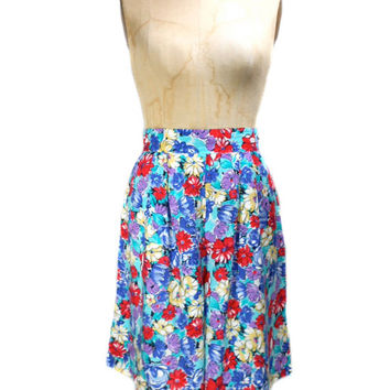 1980s High Waist Floral Shorts by Hearts - Rayon - Spring Summer - Hipster - Loose Flowing - Size 13/14