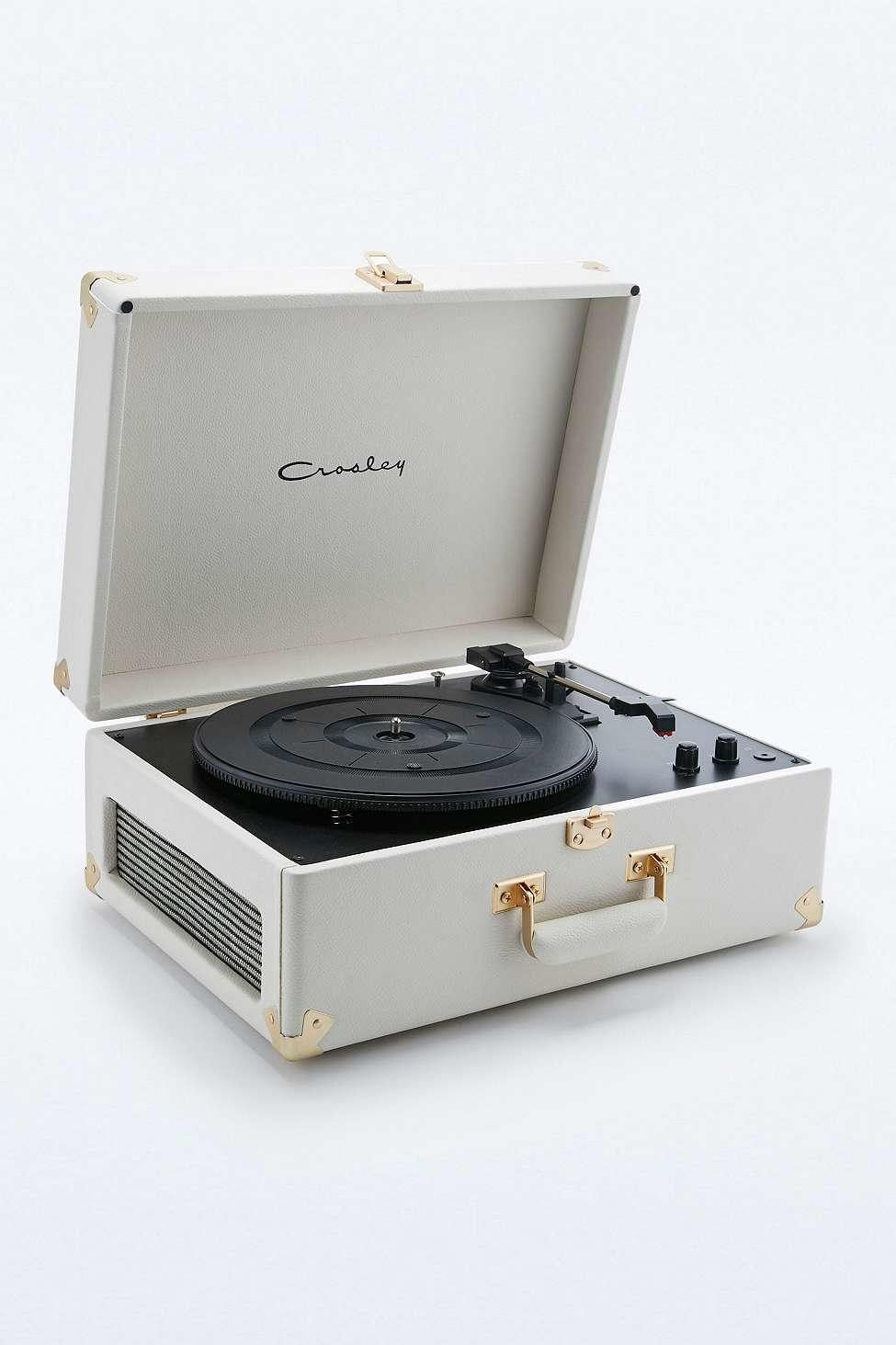 Crosley marshal white keepsake eu record from urban outfitters - Tourne disque urban outfitters ...