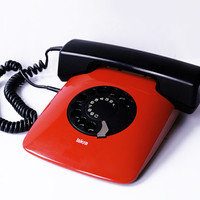 ISKRA ETA 80 82 Telephone Yugoslavia Vintage 1987 Rotary Retro Device 80s Electronic Davorin Savnik Design Moma Red Phone Awards