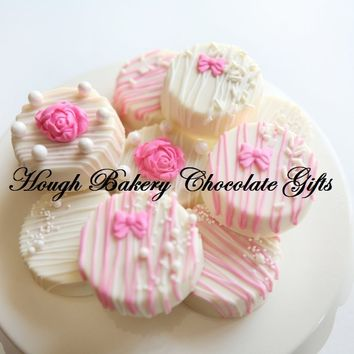 Gourmet Chocolate-Dipped OREO® Pink Pearls Bow & Roses Gift
