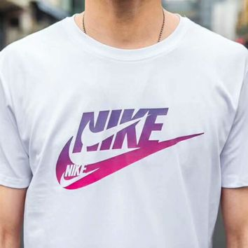 NIKE Bust print Small Purple Hook T-shirt top C-A-HRWM White