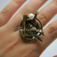 The hunger games ring, antique brass hunger games mockingjay ,Katniss arrow and petta pearl Ring RHG04