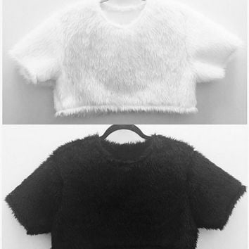 Boxy t-shirt style faux fur crop top