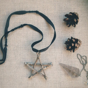 woodland pentagram | primitive witch necklace - pentagram pendant - witchcraft jewelry - wooden pentagram leather cord - pagan necklace