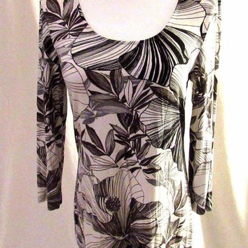 Chico's Shirt Top Women's 0 (S) White with Black Flowers Scoop Neck 3/4 Sleeves