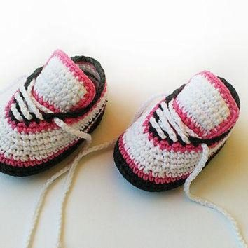 MDIG91W Crochet baby shoes, Crochet baby sneakers, Baby girl crochet sneakers, Newborn convers