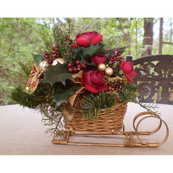Sleigh Christmas decoration floral arrangement flower table centerpiece Winter Yule