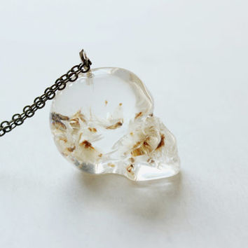 minimalist big ivory genuine dry flower crystal skull necklace-clear resin skull jewelry-antiuqe brass or sliver plated brass chain