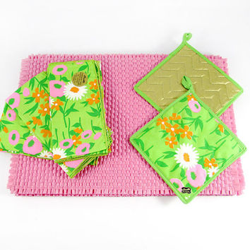 Mid-Century NOS Bucilla Mod Retro Flower Napkins, Placemats, Pot Holders, Pink Green White, Psychedelic Pattern Kitsch Kitchen