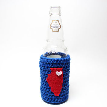 Illinois Beer Bottle Koozie, Crochet State Accessories, Coffee Cozy, Can Koozie, Chicago Cubs Inspired, Blue and red Travel Drink Holder