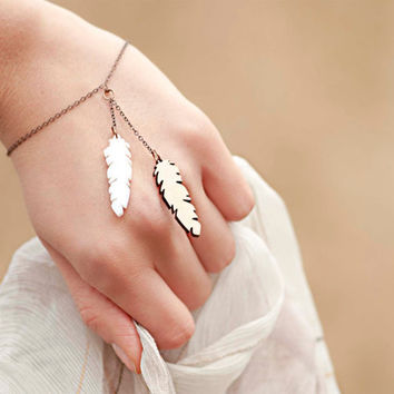 Cute bracelet with wooden feather and acrylic white feather (laser cut) on a copper chain